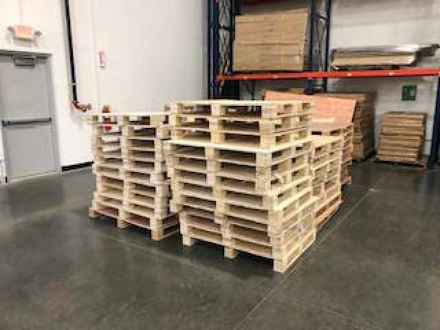 FREE Pallets for Pickup (Libertyville)